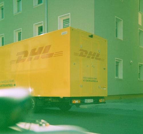 Sending a parcel abroad