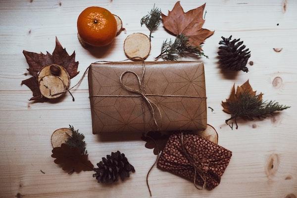 Sending a parcel abroad, Sending a parcel abroad, Full Body Massage Service